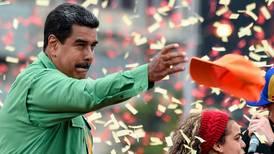 Venter seier for Maduro i juksevalg