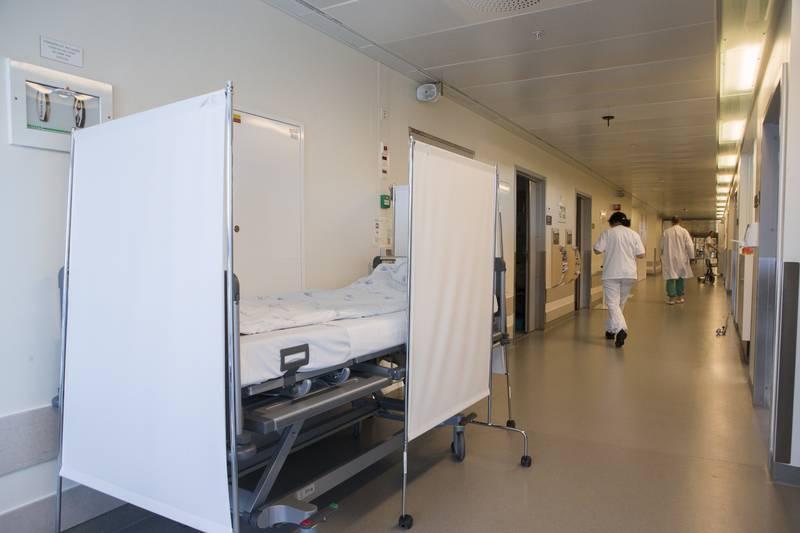 På Ahus frykter man utfordringer med sengekapasiteten dersom man får en hard influensasesong samtidig med mange koronapasienter. Foto: Berit Roald / NTB