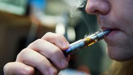 Advarer mot e-sigaretter