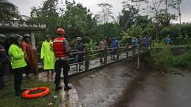 Regnet fortsetter i den oversvømte hovedstaden