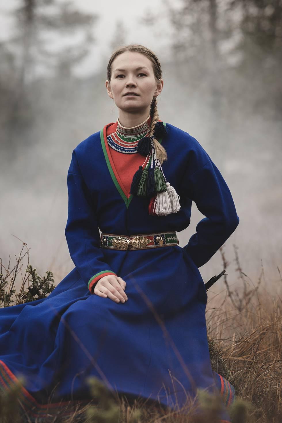 Marja Mortensson synger om reinens vandringer på førstesingelen «Johtelohke – The Migratory Route», som ble sluppet i juli. Neste måned følger albumet «Raajroe – The Reindeer Caravan». Foto: Jørn Kristensen