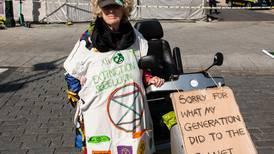Flere timer på el-scooter for å være med på demonstrasjon