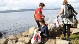 Rydder stranda for miljøet