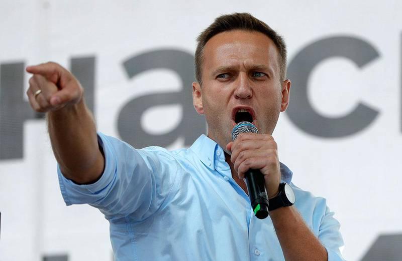 Bildet viser Aleksej Navalnyj. Han ligger i koma på sykehus. Han ble forgiftet, sier tyske myndigheter.
