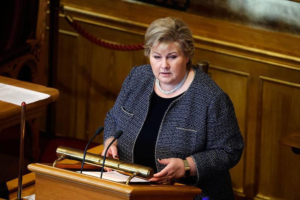 Bildet viser statsminister Erna Solberg. Hun fortalte Stortinget om enda strengere regler for smittevern torsdag.