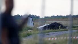 Ni personer døde etter at et fly styrtet i Sverige