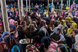 Flyktninger forteller om tortur på skip