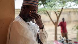 Familiene til bortførte jenter venter på svar