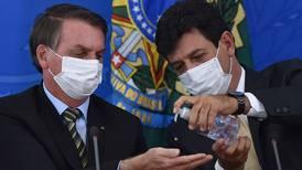 Bolsonaro tvinger helseministeren til å slutte