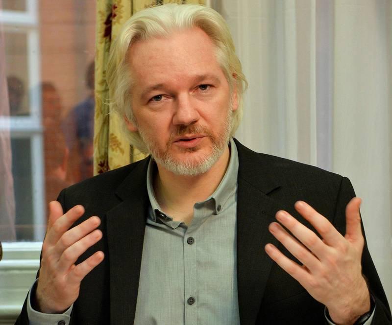 Bildet viser Julian Assange. Han skal ha jobbet for å påvirke valget i USA.