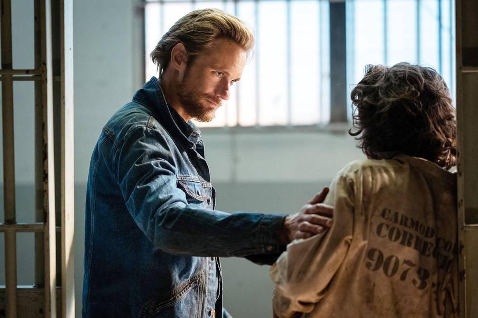 OND: Alexander Skarsgård som Randall Flagg i «The Stand».