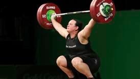 Vektløfter blir første transkjønnede i OL
