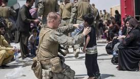 Slik evakuerer Norge folk fra Afghanistan