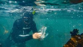 Det kan være mye mer plast i havet enn vi har trodd