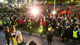 Vil demonstrere mot Erna Solberg