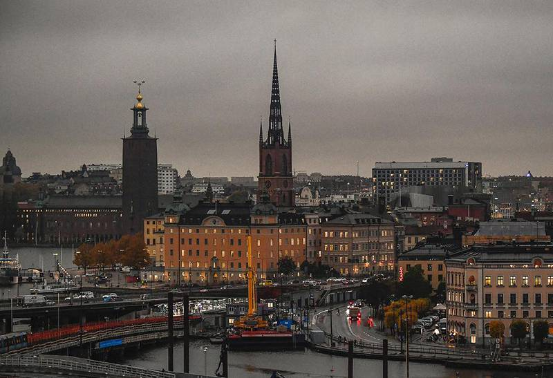 MØRKT: Det var mye mørkere enn vanlig i Stockholm i Sverige.