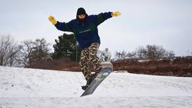 Låner ut ski og snøbrett gratis