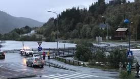 Regn og vind herjer i Nord