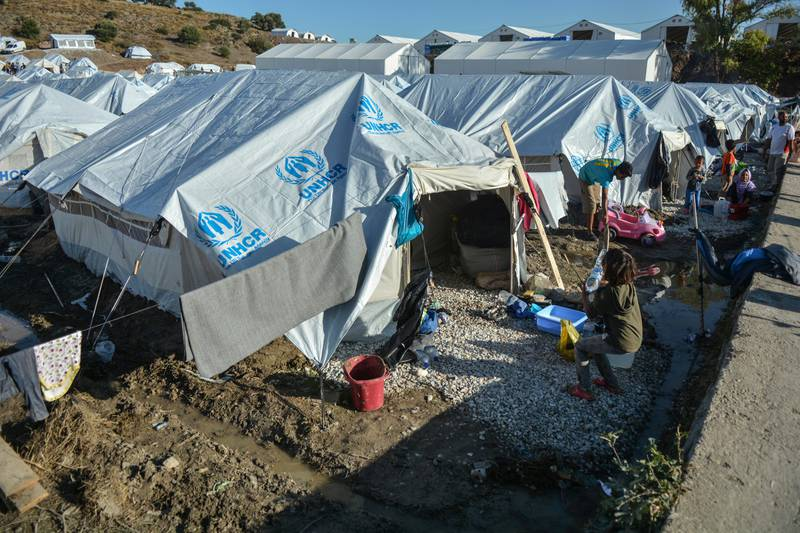 Bildet er av tekt i plast på øya Lesvos. Det er fra leiren Kara Tepe. Flere tusen bor der etter at leiren Moria brant ned tidligere i høst.