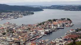 13 personer fikk bot etter fest i Bergen