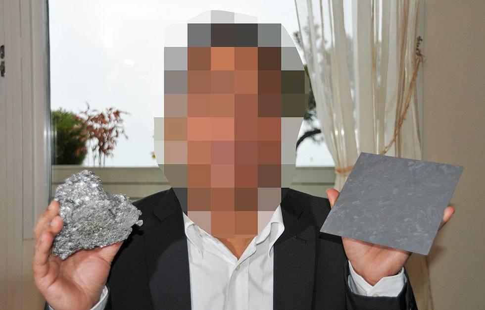 Bildet er et sladdet foto av den siktede norsk-inderen.