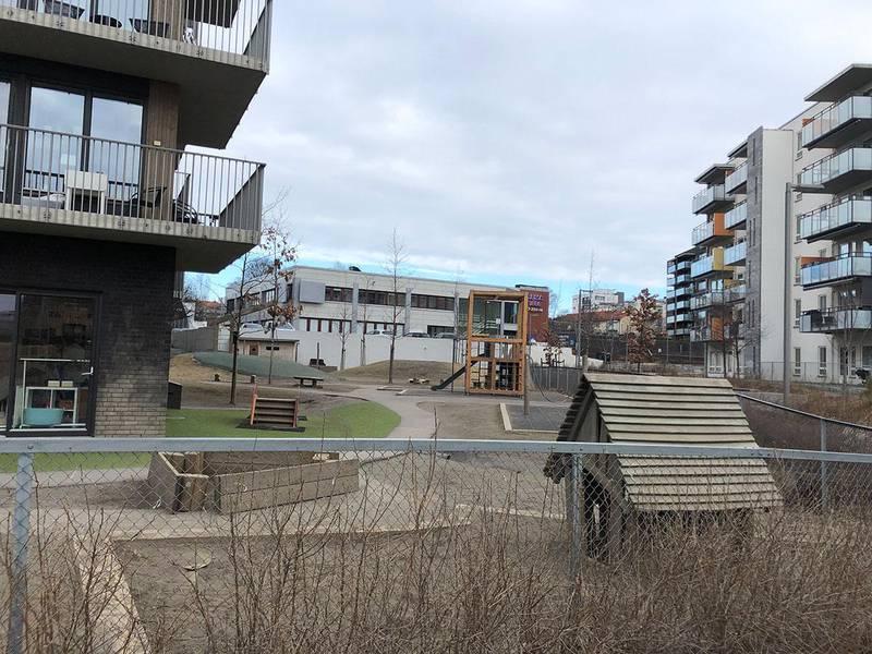 Bildet viser en tom barnehage i Oslo.