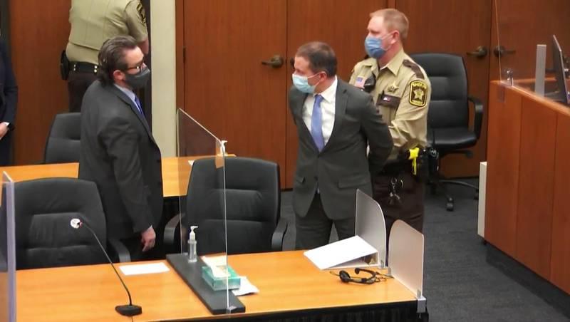 Bildet viser Derek Chauvin i rettssaken for drapet på George Floyd.