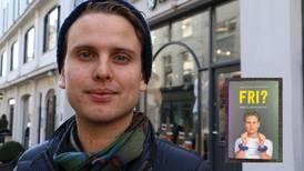 Jakob skriver sin første bok – om sex