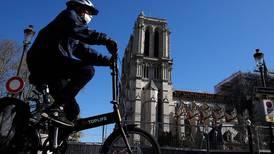 Korona stoppet byggingen av Notre-Dame