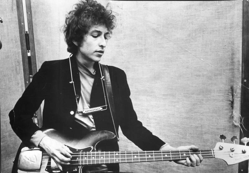 Bildet viser en ung Bob Dylan.