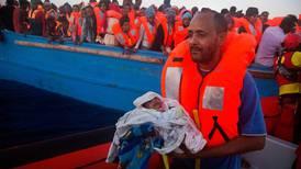 6.500 flyktninger reddet med skip