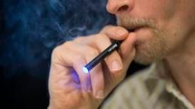 Vil nekte folk under 25 år å kjøpe e-sigaretter