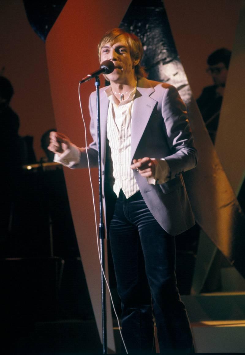 Bildet viser Jahn Teigen på scenen i 1978.