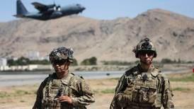 Advarer om terror-angrep ved flyplassen i Kabul