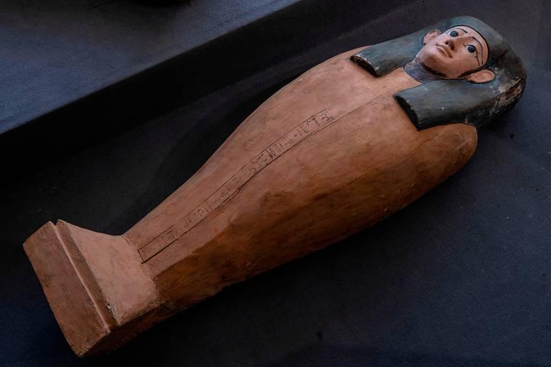 Bildet viser en sarkofage.