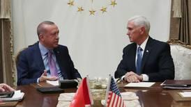 Tyrkia tar pause i kampene
