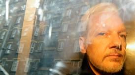 Åpner voldtekts-saken mot Assange