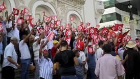Mange demonstrerer mot presidenten