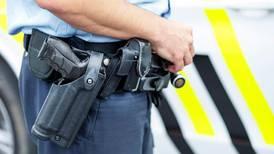 Politiet i Norge får gå med våpen