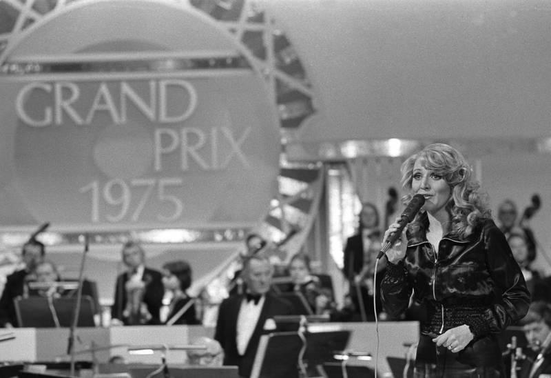 Bildet viser Anne-Karine Strøm på scenen i 1975.