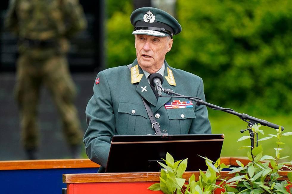 Bildet viser kong Harald som holdt tale. Det var da 75-årsdagen for frigjøringen ble markert på Akershus festning i Oslo.