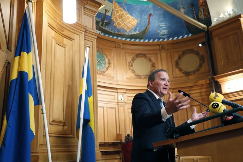 Socialdemokraternas partileder Stefan Löfven holder onsdag en pressekonferanse etter nok en gang å ha blitt godkjent som statsminister av Riksdagen. Foto: Christine Olsson/ TT NYHETSBYRÅN / NTB