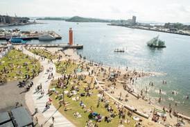 Voksne nordmenn er dårligst til å svømme i Skandinavia