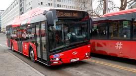 Folk tar mindre buss