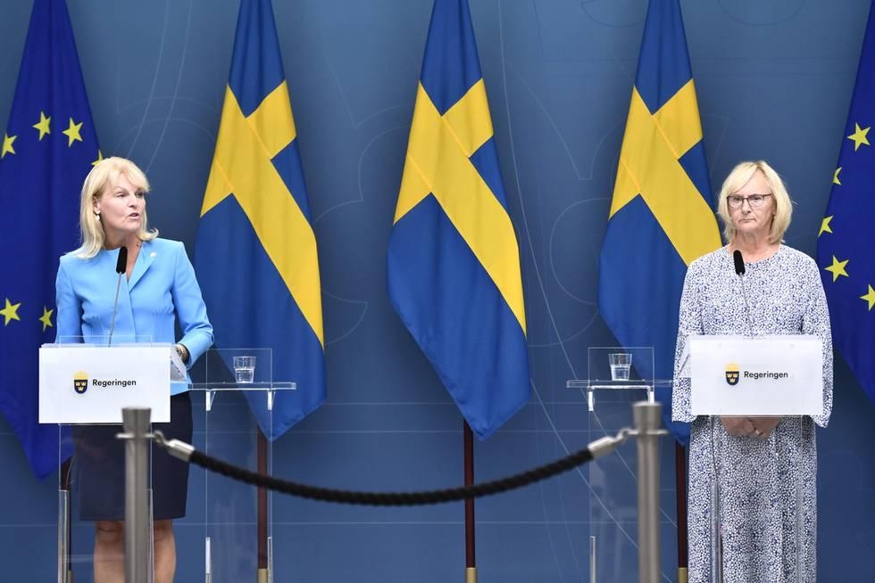 Bildet er av Anna Hallberg. Hun er svensk minister for handel med andre land. Hun har også ansvaret for nordisk samarbeid i den svenske regjeringen.