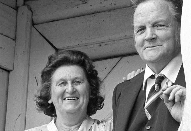 19820616. Forfatter Hans Børli med kona Magnhild.Foto: Gunnar Ruud /Scanfoto