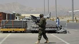 Taliban lar folk få dra fra Afghanistan