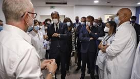 Uvaksinerte helsearbeidere får ikke jobbe i Frankrike