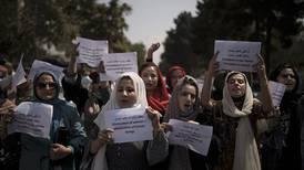 Kvinner i Kabul demonstrerer igjen