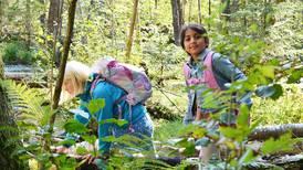 Her lærer barna gjennom lek og natur-opplevelser